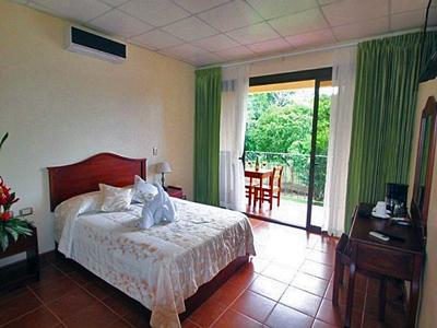 Monte Real Hotel La Fortuna