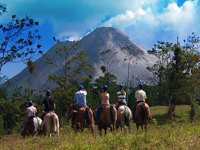 Horseback Riding Arenal Don Tobias