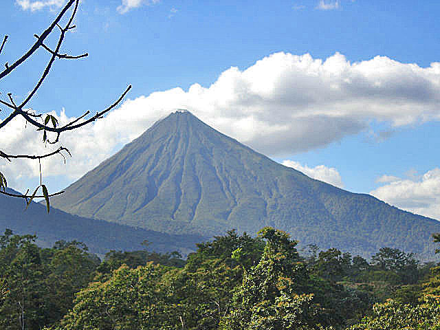 San Jose One Day Tours to Arenal Volcano