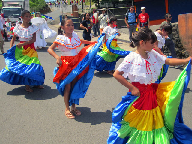 Dancing in the Streets, Santa Elena, Monteverde